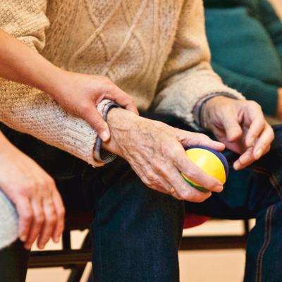 Carta dei diritti responsabili della persona anziana fragile